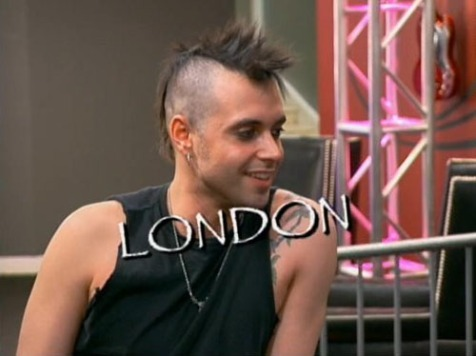 It was lust at first sight when Daisy clapped eyes on London./Credit VH1